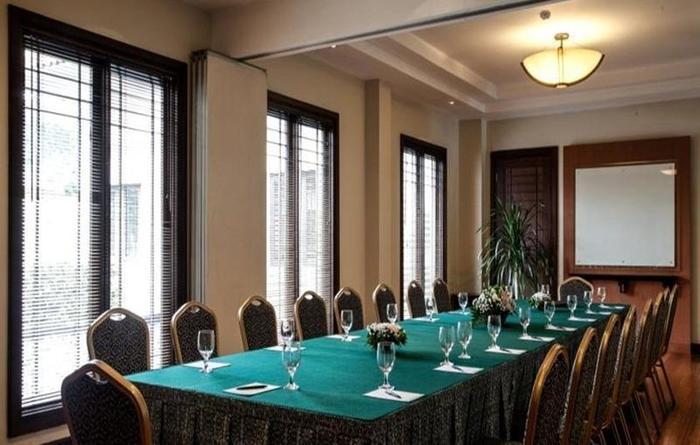 Mason Pine Hotel Bandung - Meeting room