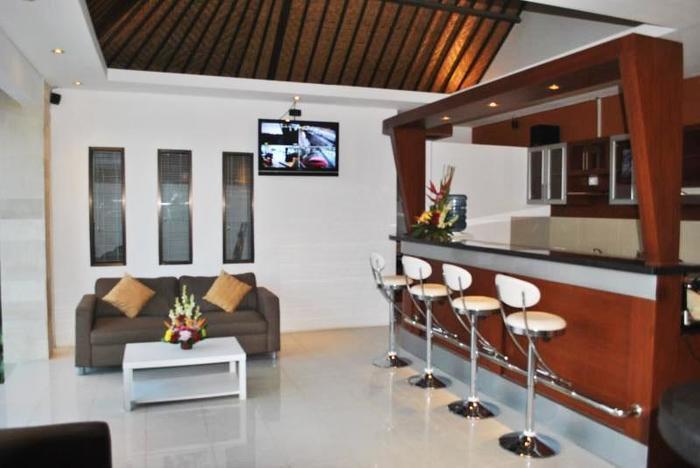 Tanjung Lima Villas Bali - Bar Set