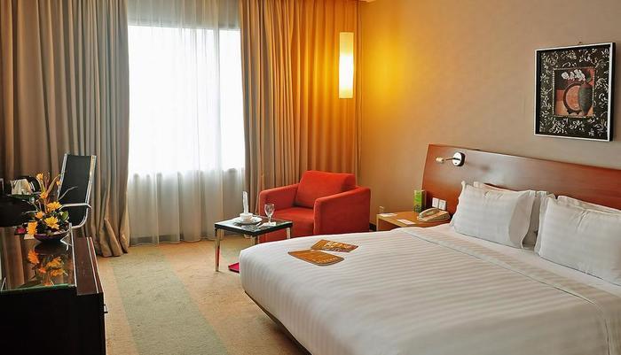 Gumaya Hotel Semarang - Deluxe Double