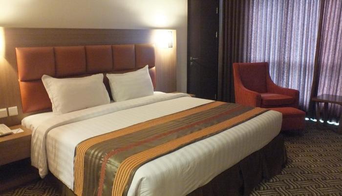 Cavinton Hotel Yogyakarta - Deluxe King Size