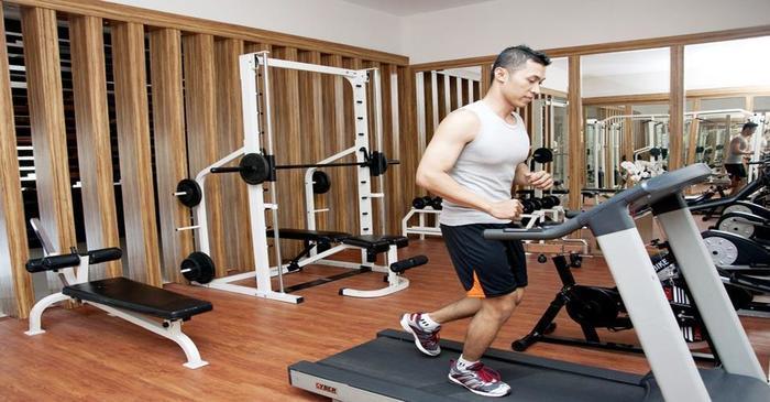 Cavinton Hotel Yogyakarta - fitness center