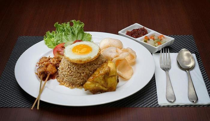 Cavinton Hotel Yogyakarta - FOOD