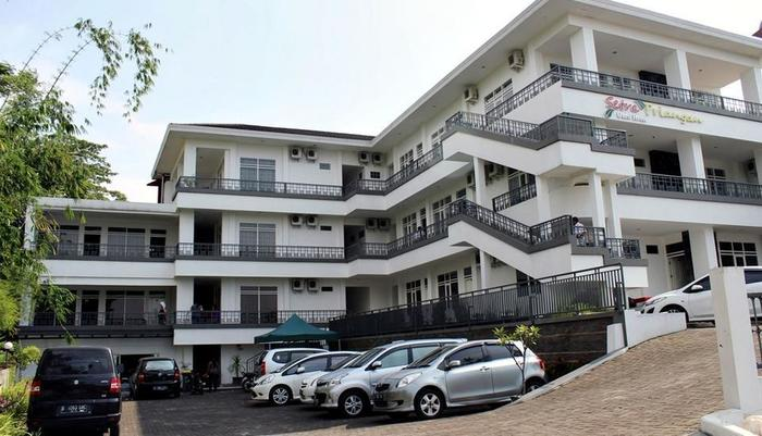 Setra Priangan Guest House   - Front View