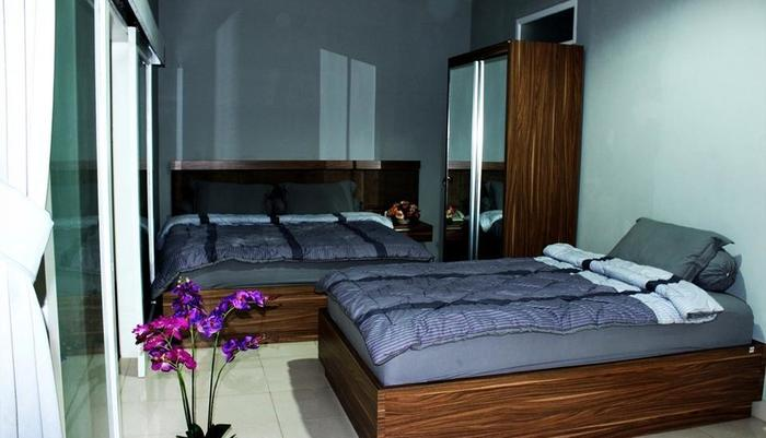 Setra Priangan Guest House   - Guest room