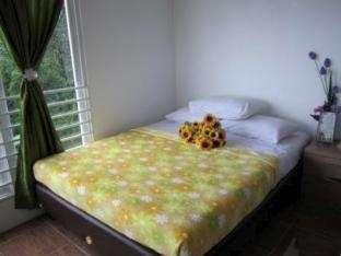 Villa Bunga Bunga Bogor - Double Bed