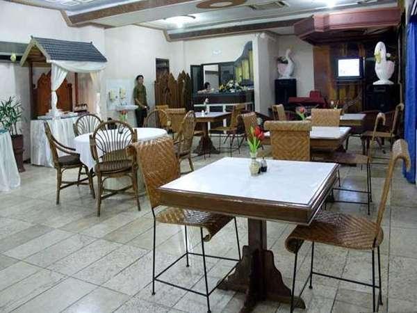 Hotel Kusuma Kartika Sari Solo - Restaurant