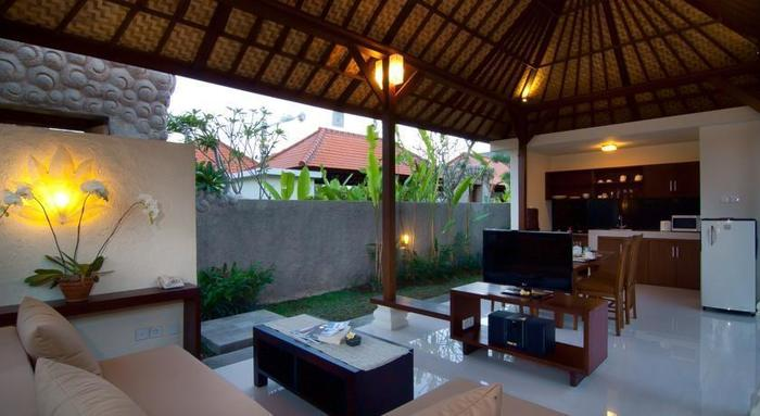 The Awan Villas Balli - Living room