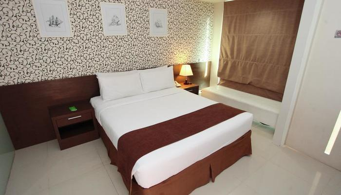 The Square Surabaya - Double Bed
