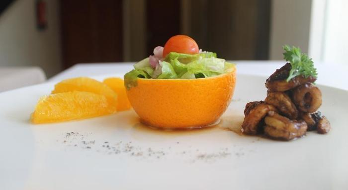 Bella Hotel Surabaya - Meals