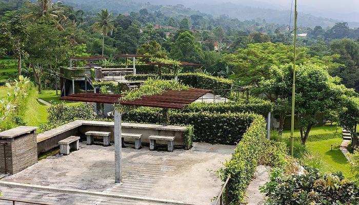 Tea Garden Resort Subang - View