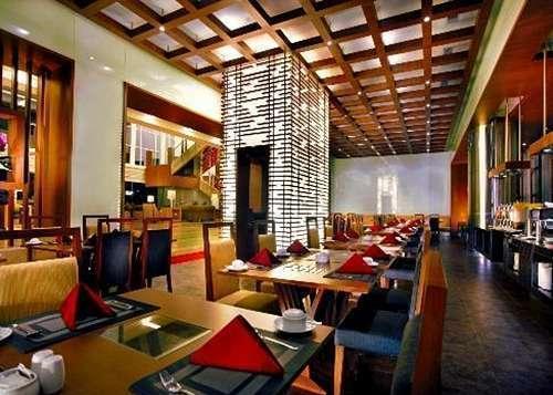 Grand Zuri BSD City - Restoran