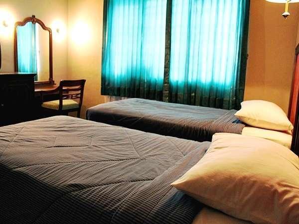 Hotel Ayong Linggar Jati - Deluxe