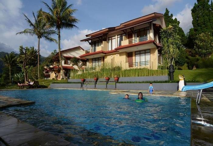 The Jayakarta Cisarua - view of the pool