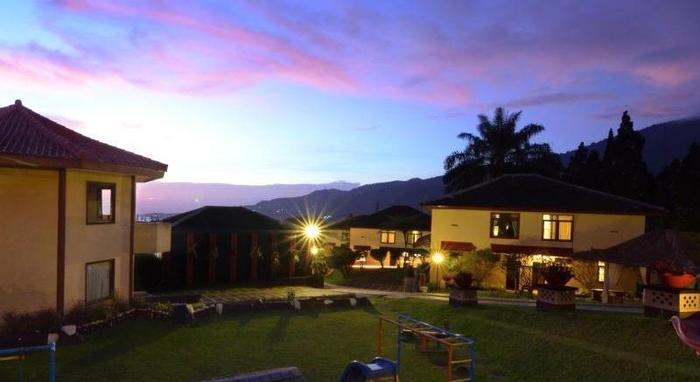 The Jayakarta Cisarua - View of night
