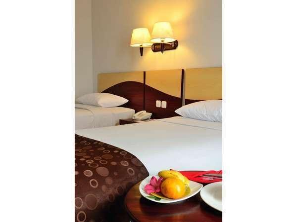 The Sun Hotel Surabaya - Superior twin bed