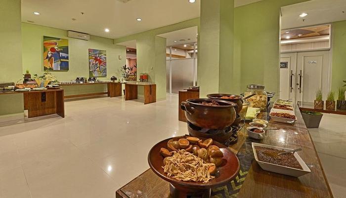 Whiz Hotel Yogyakarta - Restaurant