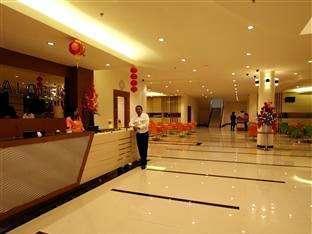 Hotel Halogen Surabaya - Recptionist