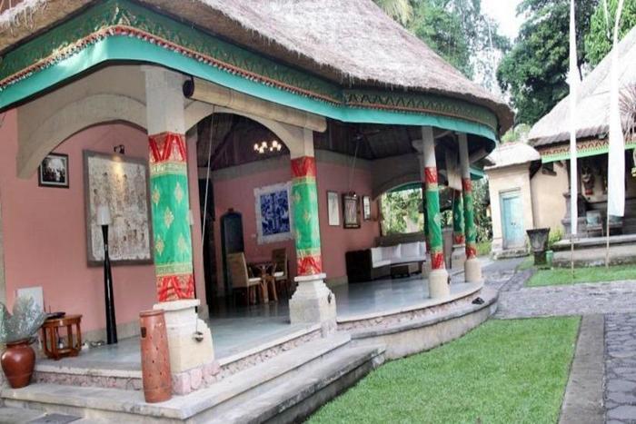 Puri Taman Sari Bali -