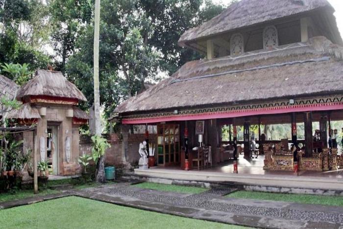 Puri Taman Sari Bali - Dining area