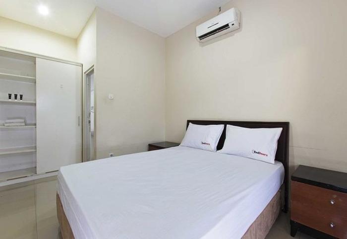 Direktori Hotel Murah Di Jakarta RedDoorz Jempang