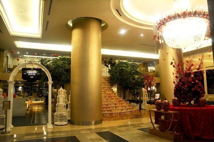Garden Palace Surabaya -