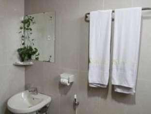 Grand Hotel Jambi Jambi - Bathroom