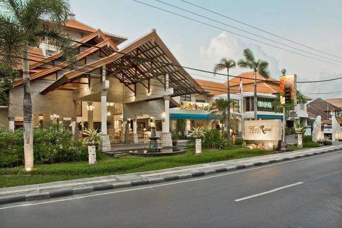 Bali Rani Hotel Bali - Front of the hotel
