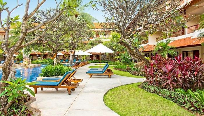 Bali Rani Hotel Bali - Pool Surrounding