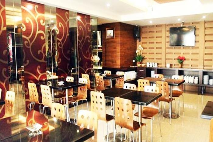 Favor Hotel Makassar - Ruang Makan