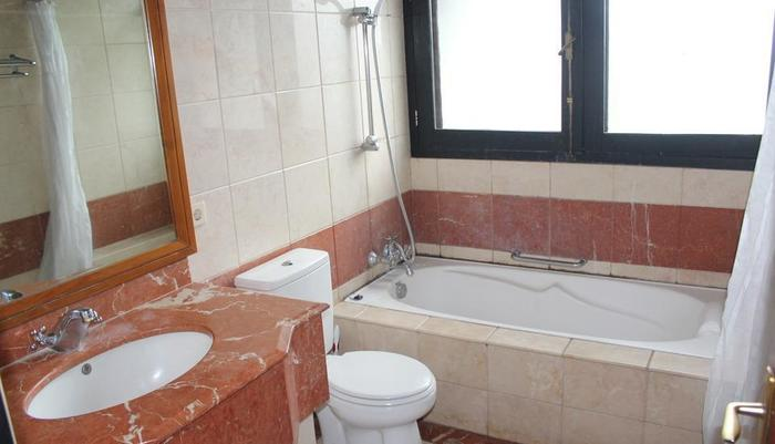 OBC Guest House Bandung - Bathroom