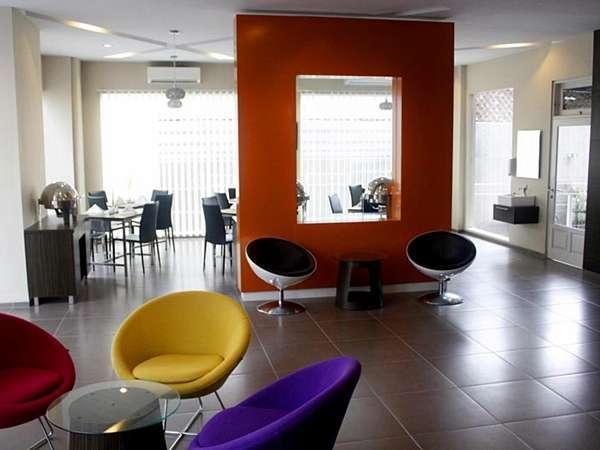 Pose In Jogja - Lounge