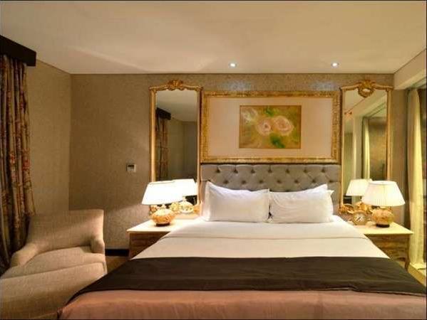 Hotel Amaroossa Bogor - Executive Room