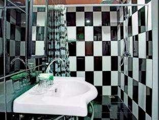 Marinos Place Bali - Bathroom