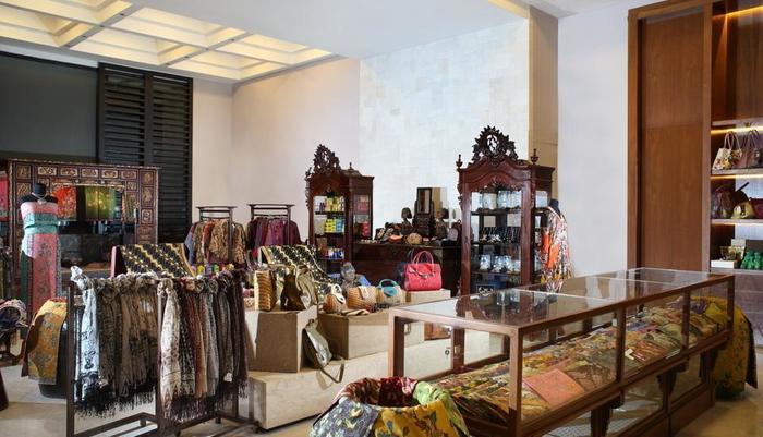 Hotel Tentrem Yogyakarta - Lobby Shop