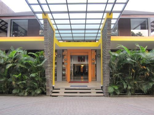 Grha Ciumbuleuit Guest House Bandung -
