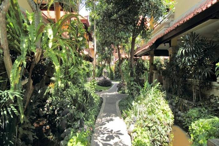 Hotel Royal Tunjung Bali - Garden