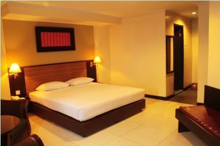 Losari Metro Hotel Makassar - Suite Room
