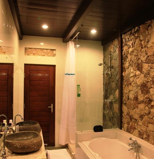Villa Alcheringa Yogyakarta - Khayangan Wetan - Bathroom