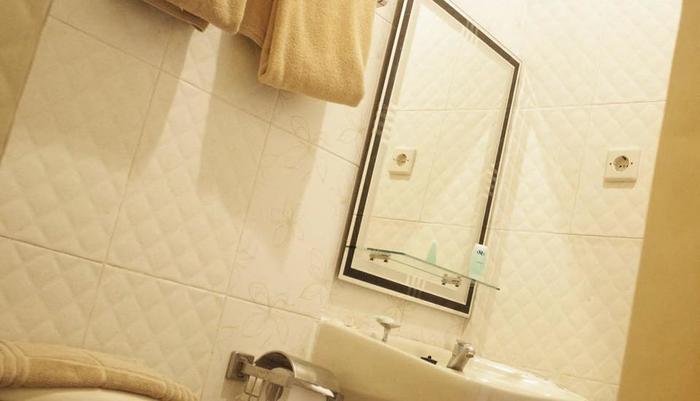 DPT 33 Surabaya - Bathroom