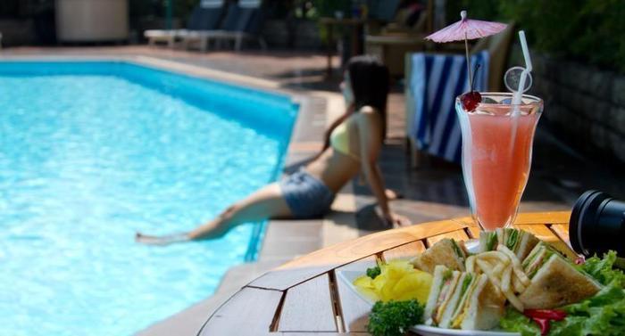 Kartika Graha Hotel Malang - Meals