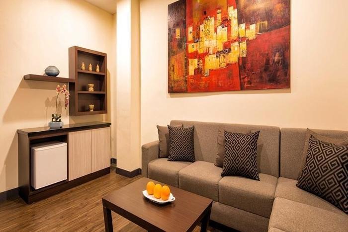 Oria Hotel Jakarta - Living Room