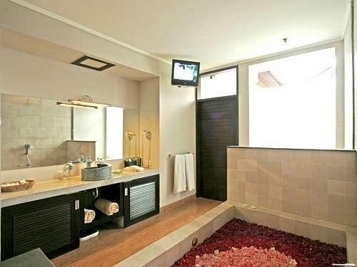 The Rishi Villa Bali - 2 Bedroom Villa Bathroom