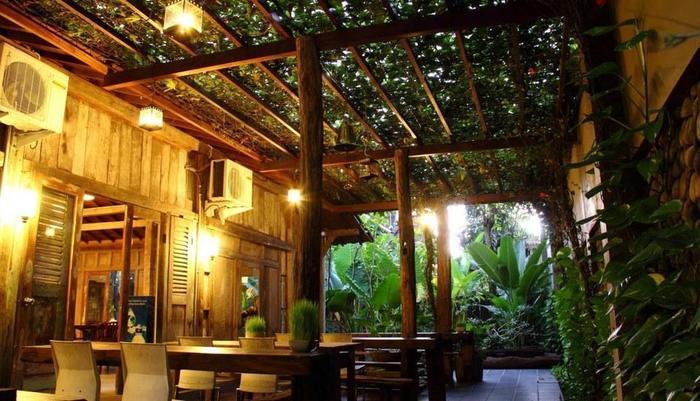 Rumah Batu Villa Solo - Restaurant