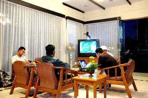 Kenangan Hotel Bandung - Living Room