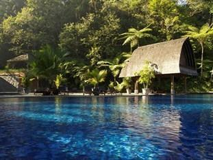 Sangria Resort & Spa Bandung - Swimming Pool