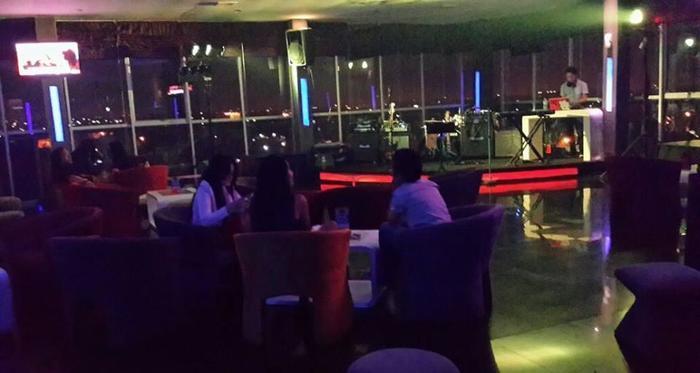 Candi Hotel Medan - SKY lounge Bar