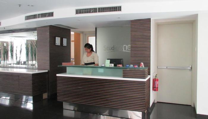 Studio One Hotel Jakarta - Receptionist