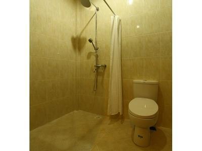 Amazing Kuta Hotel Bali - Bathroom