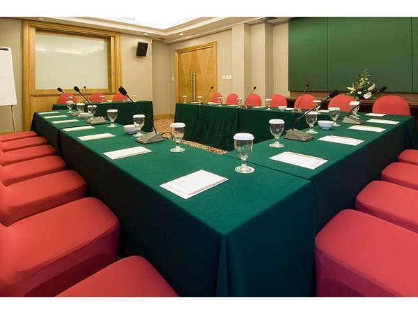 Aston Manado - Meeting room 1