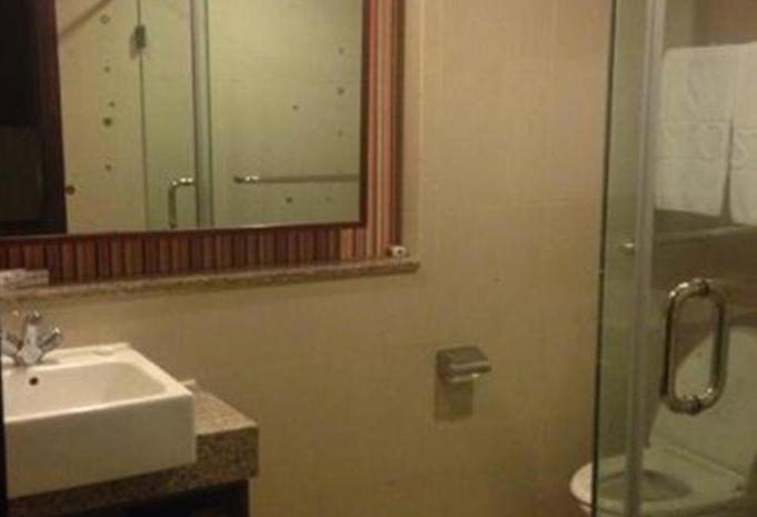 Aston Manado - bath